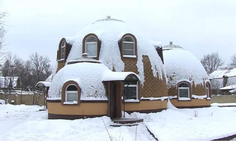 Снег не скатывается с крыши