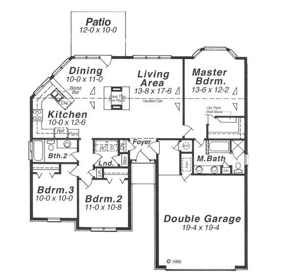 Интересный проект одноэтажного дома в американском стиле площадью  до 150 кв.м с гаражом на 2 машины и с 3 спальнями подходит для постоянного проживания. В большой спальне есть ванная.