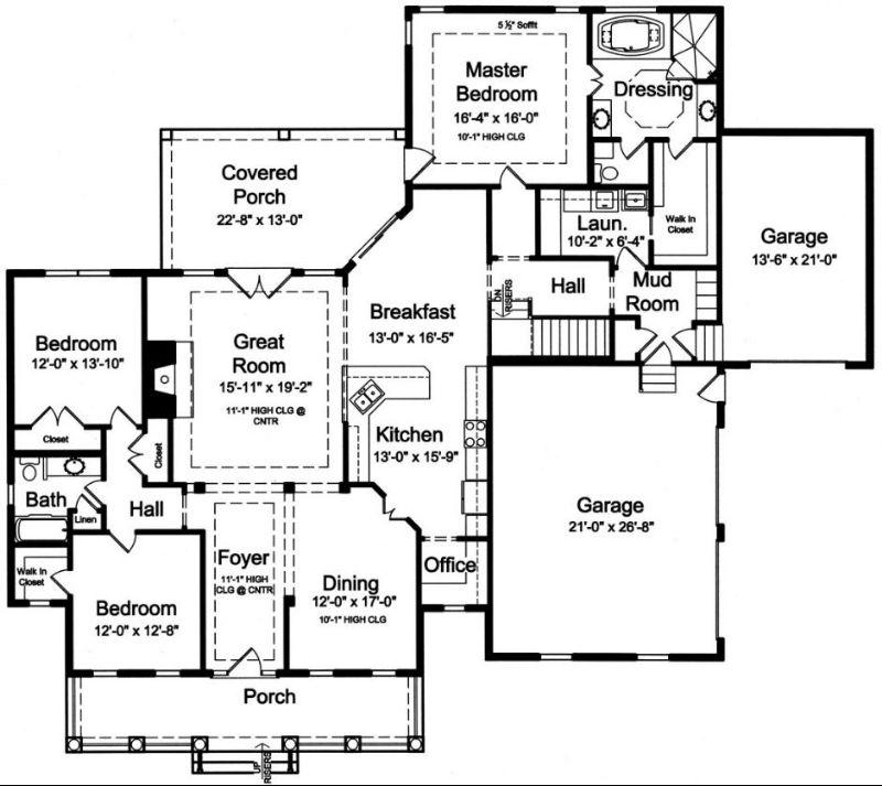 План 1 этажа Проект дома в стиле кантри с двумя верандами и двумя гаражами