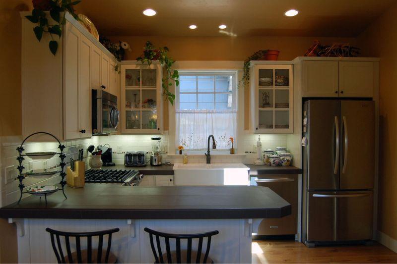 Кухня Проект красивого дома в современном стиле с двускатной крышей: план SS-7791-1-2