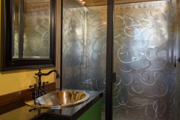 Раздвижной мобильный дом, ванная комната