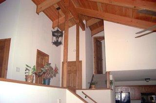 Этот практичный проект двухэтажного каркасного дома в стиле шале 12 на 12 метров площадью  до 150 кв.м с гаражом и с 3 спальнями подходит  для дачи . В проекте дома есть терраса..