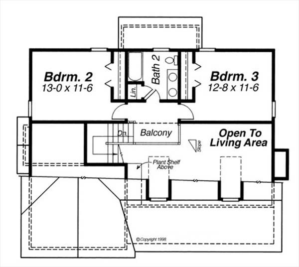 Этот популярный проект двухэтажного каркасного дома 11 метров площадью  до 200 кв.м с гаражом на 2 машины и с 3 спальнями подходит  строительства дома с цокольным этажом на участке с уклоном и  для строительства дома с цокольным этажом на склоне . Также перед домом есть веранда..