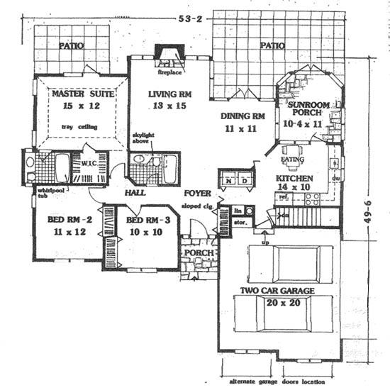 Этот привлекательный проект одноэтажного дома  площадью  до 150 кв.м с гаражом на 2 машины и с 3 спальнями подходит для постоянного проживания. Также сзади дома пристроена веранда..