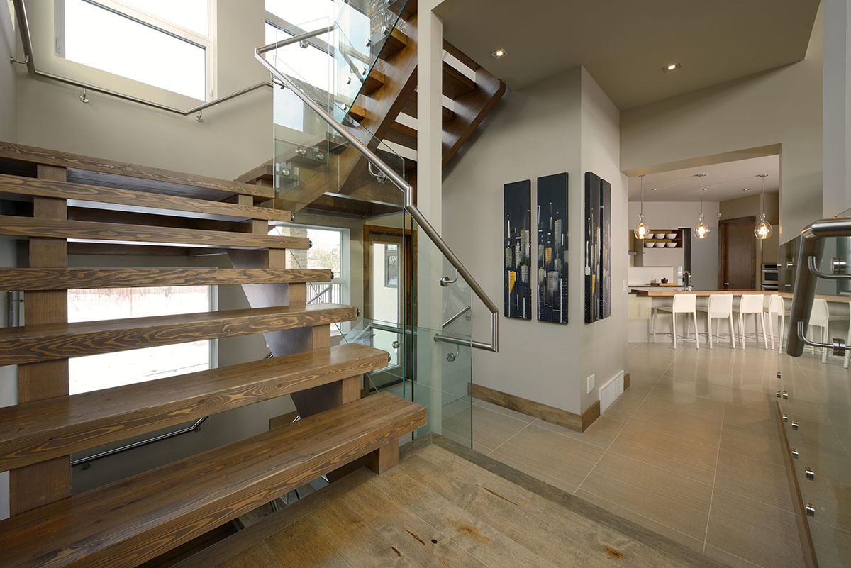 Открытая лестница без подступенков