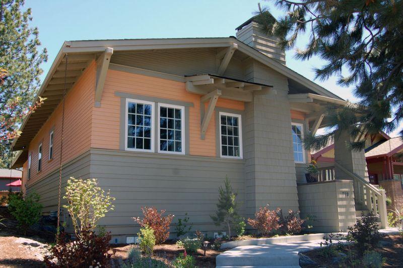 Красивый дом для узкого участка Проект красивого дома в современном стиле с двускатной крышей: план SS-7791-1-2